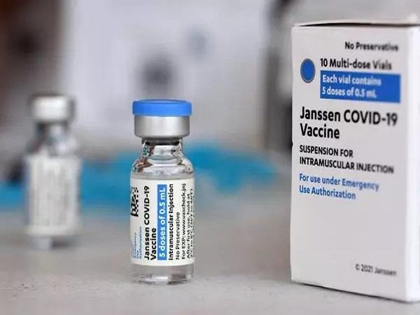 Nếu bạn gặp phản ứng dị ứng với vaccine Johnson & Johnson nghiêm trọng, hãy gọi 9-1-1- Ảnh 5